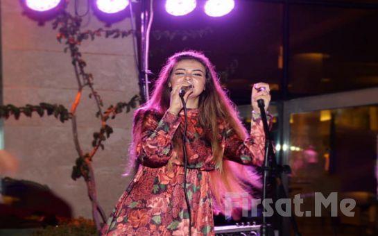 Hayal Kahvesi Emaar Square'da Aslıhan Ravul ile 90'lar dan günümüze Türk Pop Müziği Konser Bileti