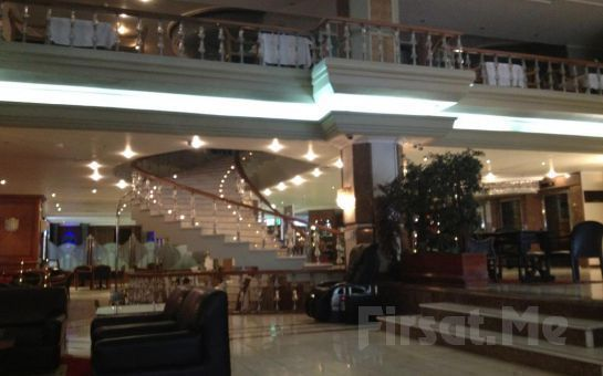5* Topkapı Akgün Otel'de Canlı Sahne Performansları + Oryantal ve Leziz Menü ile Yeniyıl Partisi! (Sınırsız Yerli İçki Dahil)