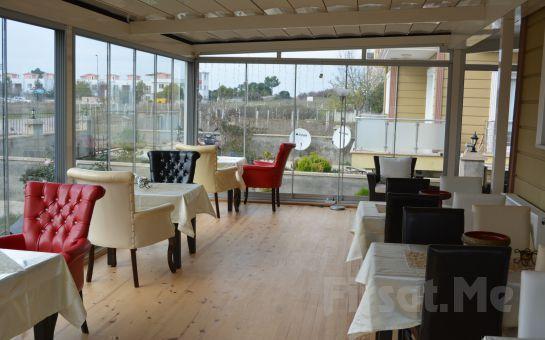 Ağva Assortie La Villa Otel'de 2 Kişi 1 Gece Açıkbüfe Kahvaltı Dahil Konaklama Fırsatı