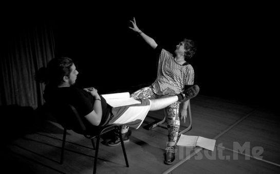 Beyoğlu Karakutu Tiyatro'dan Hayatınıza Yön Verecek 1 aylık Temel Oyunculuk Atölyesi