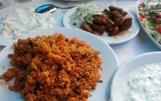 Beyoğlu Sadece Meyhane'de Canlı Fasıl Eşliğinde Açık Büfe Yemek, 20'lik Rakı Fırsatı