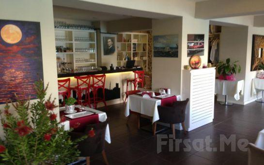 Anadolu Hisarı My Moon Restaurant'ta Sevgililer Gününe Özel Canlı Müzik Eşliğinde Romantik Akşam Yemeği!