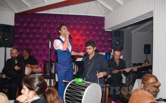 Büyükçekmece Kokosh Meyhane'de Sevgililer Gününe Özel Lezzetli Menü Eşliğinde Canlı Müzik ve Fasıl Keyfi! (Sınırsız Yerli İçki Dahil)