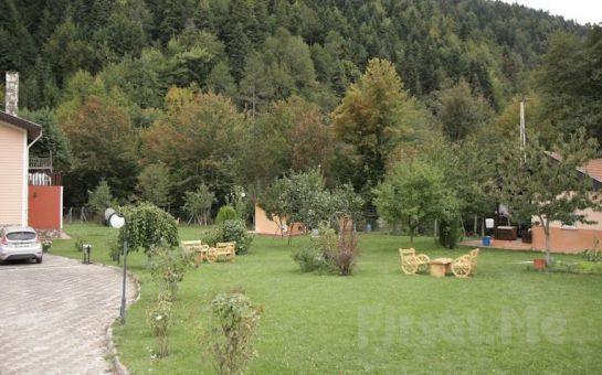 Huzurun Adresi Abant Bahçeli Köşk'de 2 kişi 1 Gece Konaklama + Kahvaltı Keyfi!