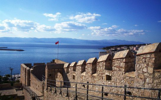 Escape Tur'dan 2 Gece 3 Gün Konaklamalı Kahvaltı Dahil Çeşme & Sakız (Chios) Adası Turu! (Ek Ücret Yok!)