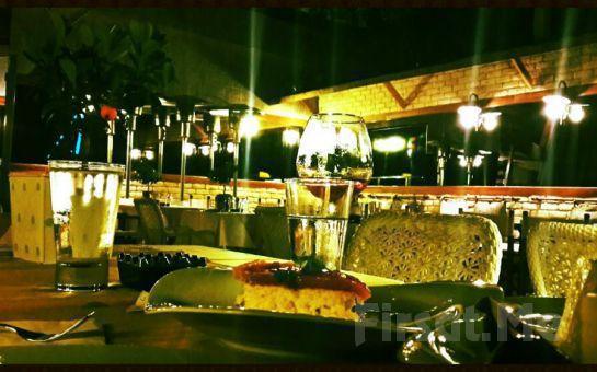 Rumeli Hisarı Seyir Terrace Restaurant'ta Muhteşem Boğaz Manzarası Eşliğinde Canlı Müzik ve İçki Dahil Akşam Yemeği
