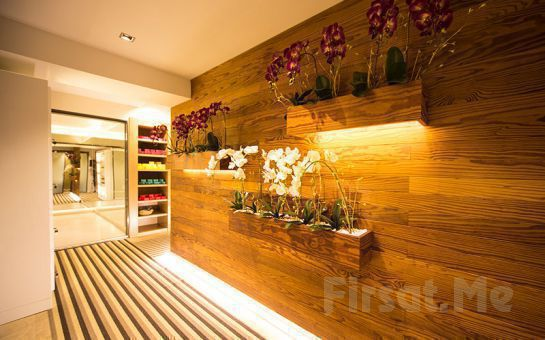 Yeşilköy Lady Sauna Spa'dan Manikür, Pedikür, Maklora Ürünleriyle French Oje Kit Uygulaması
