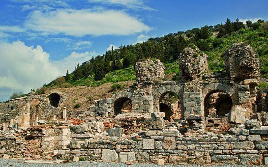 Paytur'dan, 1 Gece 2 Gün Yarım Pansiyon Konaklamalı Efes, Kuşadası, Meryemana, Pamukkale Turu