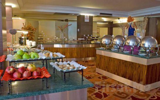 Şehrin Ortasında Huzurun Adresi Elite Hotel Küçükyalı'da 2 kişi 1 Gece Konaklama + Kapalı Havuz + Spa Keyfi! (Yılbaşı Seçeneğiyle!)
