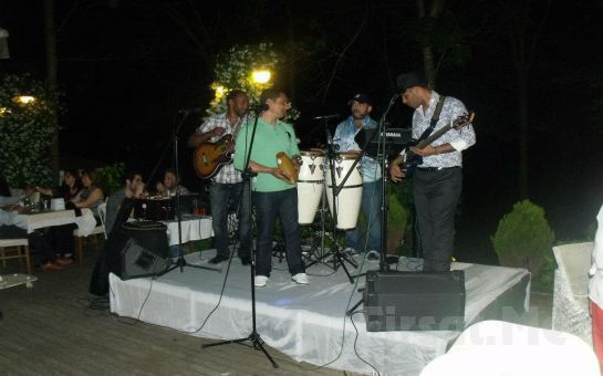 Cennetten Bir Köşe Emirgan Meyyali'de Her Cuma Zengin Fix Menü, Bahri Turan'la Taverna Müziği Eğlencesi!