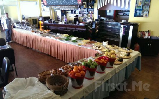 Üsküdar Salacak Rubin Cafe'de Boğaza Karşı Kahvaltı Keyfi!