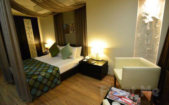 SC INN Boutique Hotel İzmir'de 2 Kişi 1 Gece Oda, Kahvaltı veya Yarım Pansiyon Konaklama Fırsatı
