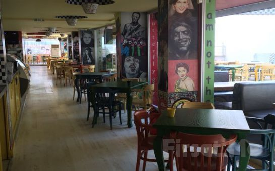 Yeşilköy Big Yellow Taxi Benzin Cafe'de Sınırsız Çay Eşliğinde Serpme Kahvaltı Fırsatı!