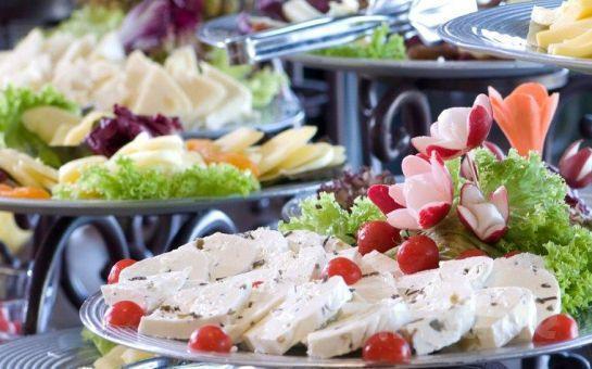 Ali Baba Tour'dan Northstar Otel'de Havuz Başı Açık Büfe kahvaltı Dahil Her Pazar Günübirlik Harikalar Sahili + Sapanca + Maşukiye Turu!