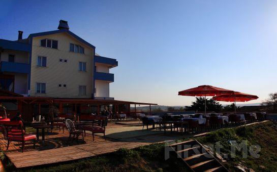 Şile'de Romantik Bir Tatil Sizi Bekliyor! Klas Otel'de, 2 Kişi 1 Gece Konaklama + Sabah Kahvaltısı!