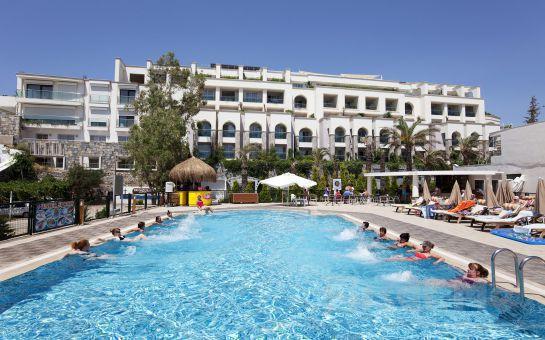 Denize Sıfır, 5*'lı Bodrum Gümbet Royal Asarlık Beach Hotel, Spa'da Ultra Her Şey Dahil Tatil Fırsatı