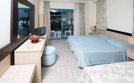 Denize Sıfır Marmaris Sun Maris Bella Mare Beach Otel'de Her Şey Dahil Tatil Fırsatı!