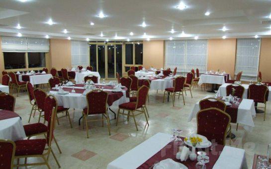 Deniz Kenarında Karataş Magarsa Park Hotel'de 2 kişi 1 Gece Konaklama, Kahvaltı, Havuz, Deniz Fırsatı