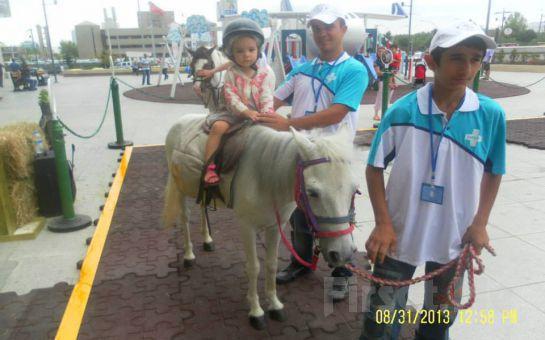 Atlıtur'dan Starcity Outlet Center da Çocuklara Yönelik At Binme Etkinliği!
