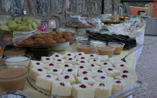 Kuşadası CLUB GOLDEN BİRD Tatil Köyü'nde Yarım Pansiyon Tatil (0-12 Yaş Ücretsiz!)
