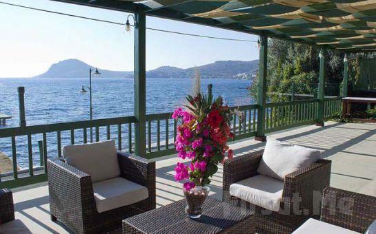 Denize Sıfır Bodrum Yalıkavak Elite Garden Apart'ta Deniz, Havuz, Bahçe Manzaralı Odalarda 4 Kişi Konaklama Fırsatı