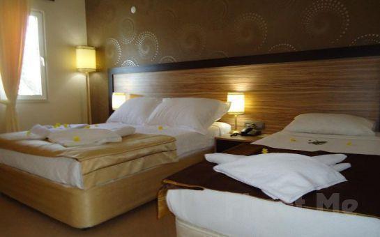Denize Sıfır Ayvalık Beach Otel'de Her Şey Dahil Kara Manzaralı Standart Odalarda Tatil Fırsatı