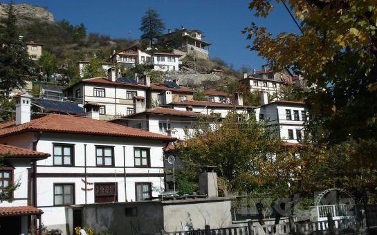 Tres Oro Tur'dan, Günübirlik Maşukiye + Göynük + Sünnet Göl Doğa Turu + Dere kenarında Serpme Kahvaltı Fırsatı!