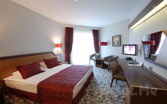 Tres Oro Tur'dan Bayramoğlu Hegsagone Otel'de 2 Gece 3 Gün Yarım Pansiyon Maşukiye, Sapanca Doğa Turu, Havuz ve Plaj Keyfi
