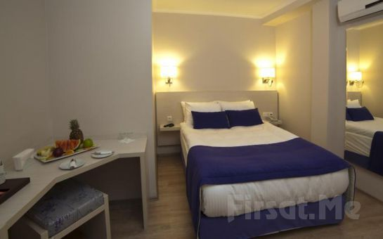 İzmir Walk İnn Hotel'de Standart veya Deluxe Odalarda 2 Kişi 1 Gece Konaklama, Kahvaltı Fırsatı