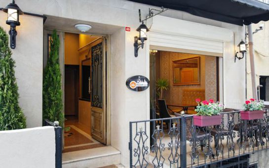 Taksim Ma Maison Hotel'de 2 Kişi 1 Gece Konaklama, Meyve Tabağı İkram Fırsatı