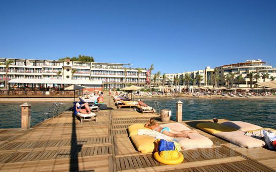 Denize Sıfır Bodrum Vera Aegean Dream Resort Hotel'de 1 Kişi 3 Gece 4 Gün Ultra Her Şey Dahil Konaklama Fırsatı!