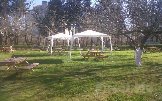 Çatalca Sevgi Bahçesinde Yeşillikler Arasında Organik Ürünlerle Serpme veya Açık Büfe Kahvaltı Keyfi!