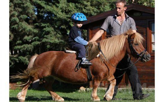 Samandra Kenanbey Binicilik Kulübü'nde, Serpme Köy Kahvaltısı ve At ile Gezinti Fırsatı