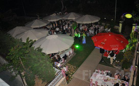 Nabizade Konağı'nın Büyülü Atmosferinde, Orijinal Plaktan Eşsiz Nostaljik Şarkılar veya Fasıl Eşliğinde Leziz Akşam Yemeği
