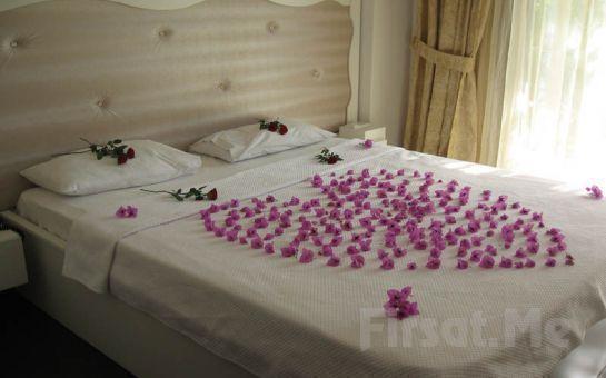 Ada Otellerinin Göz Bebeği, Büyükada Kumsal Butik Otel'de 2 Kişi 1 Gece Konaklama, Kahvaltı Keyfi