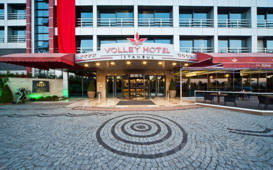 Üsküdar Volley Hotel İstanbul'da 1 kişi Sauna + Buhar Odası + Fitness Kullanımı + 1 Adet Sıkma Portakal Suyu + 45 Dakika Klasik Masaj Keyfi!