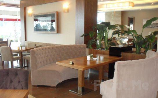 Üsküdar'ın Tarihi Güzelliği Eşliğinde Volley Hotel İstanbul'da Açık Büfe Kahvaltı Keyfi!