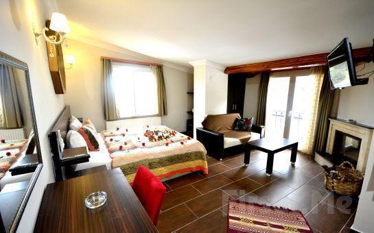 Ağva Asmalı Köşk Butik Otel'de Standart veya Şömineli Odalarda Konaklama Seçenekleri