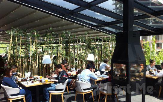 Çankaya Mezze Restaurant'ta Canlı Müzik Eşliğinde Hafta Sonları Açık Büfe Kahvaltı Keyfi!