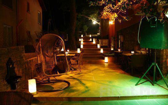 Heybeliada Perili Köşk Concept Hotel'de 2 Kişi 1 Gece Konaklama + Kahvaltı Fırsatı!