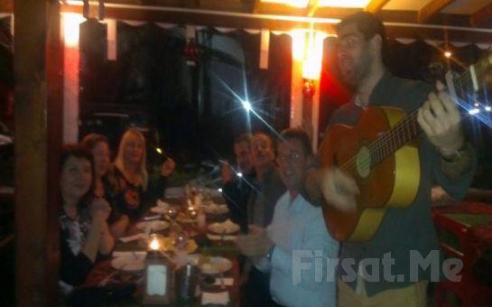 Ağva Küçük Ev Otel'de Canlı Müzik, Fasıl, Zengin Menü Eşliğinde 2 Kişilik Yılbaşı Balosu, Konaklama Fırsatı