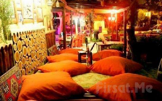 Ağva Küçük Ev Otel'de Canlı Müzik, Fasıl, Zengin Menü Eşliğinde 2 Kişilik Yılbaşı Balosu + Konaklama Fırsatı!