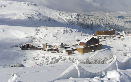 Kışın Keyfi Kartalkaya'da Çıkar Tourjet'ten Günübirlik Kayak Turu, Öğle Yemeği Fırsatı