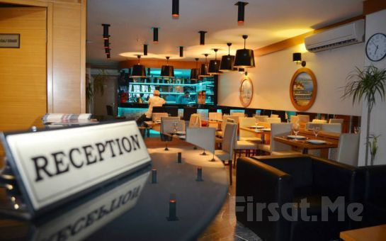 Hotel La Piano'da 2 Kişi 1 Gece Konaklama + Kahvaltı Seçenekleri!