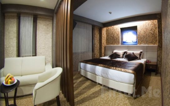 İzmir'in Kalbinde Konaklama Keyfi! 5 Yıldızlı Marlight Boutique Hotel'de 2 Kişi 1 Gece Konaklama + Kahvaltı!