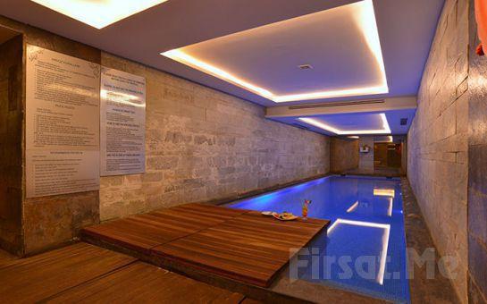 Beyoğlu Pera Tulip Hotel'de 2 Kişi 1 Gece Konaklama + Kahvaltı + Kapalı Havuz ve SPA Kullanımı!