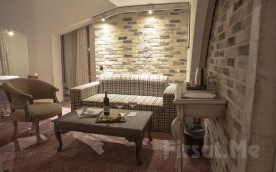 Fransız Mimarisine Sahip Ankara Raymar Hotel'de Kahvaltı Dahil 2 Kişi 1 Gece Konaklama Fırsatı