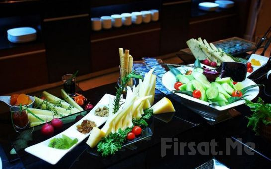 Hurry Inn Merter Hotel'de Sevgililer Gününe Özel 2 Kişi 1 Gece Konaklama + Kahvaltı + Akşam Yemeği!