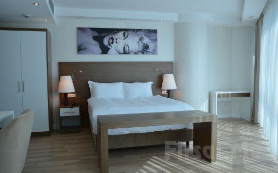 Bika Suites İstanbul Hotel'de Sevgililer Gününe Özel 2 Kişi 1 Gece Konaklama, Yemek ve Kahvaltı Fırsatı Seçenekleri