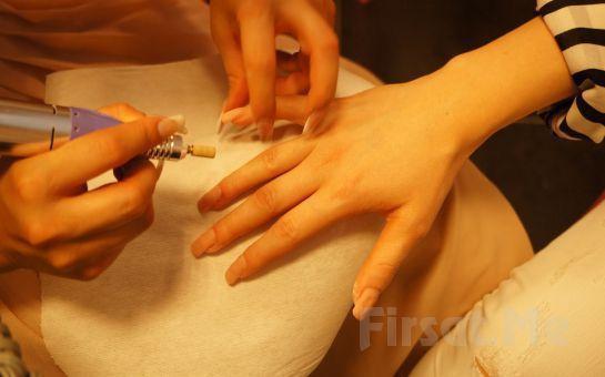Pudra Esthetics'ten Bakımlı, Zarif ve Narin Ellere Kavuşmanız İçin Naturel ve French Protez Tırnak Uygulamaları!